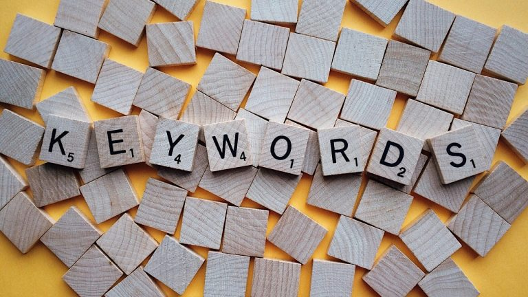 Does the Order of Keywords Matter in a Page Title?