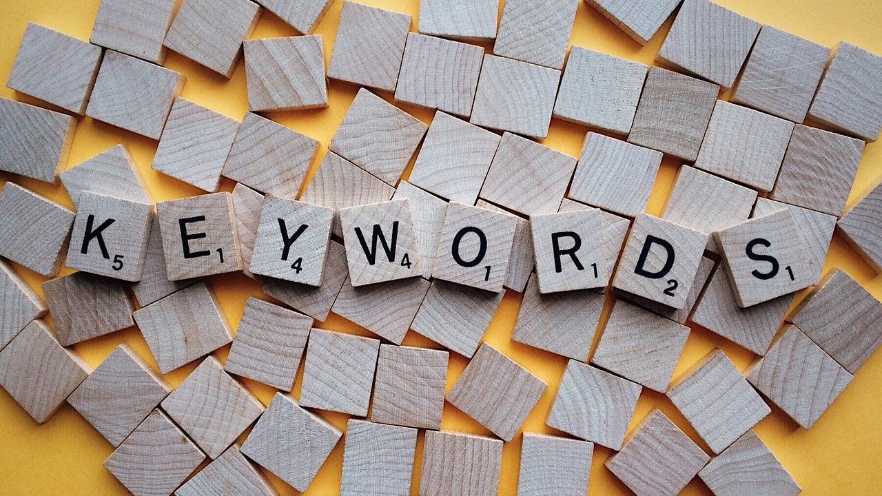Does the Order of Keywords Matter in a Page Title